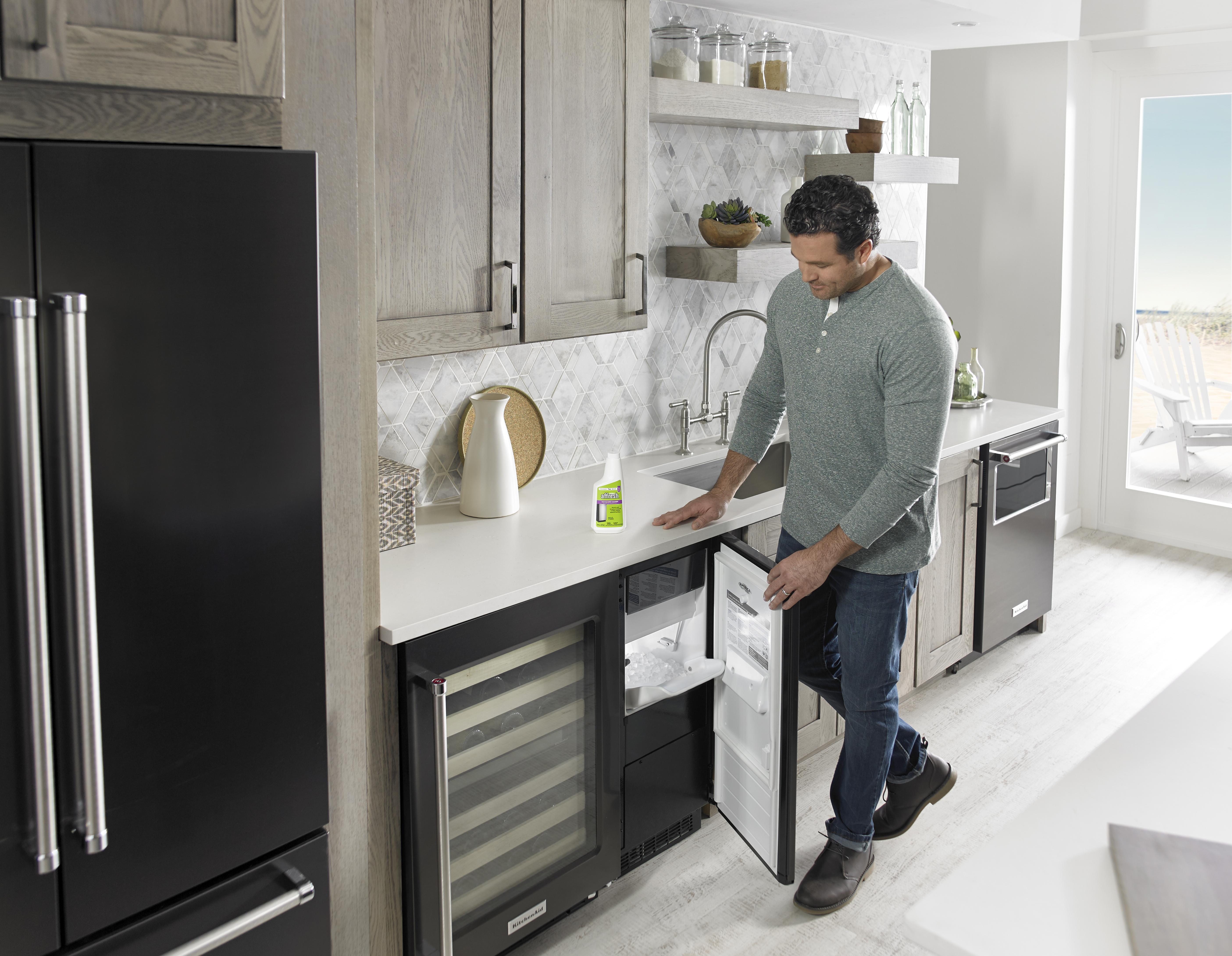 Ice Machine Cleaner Lifestyle 1